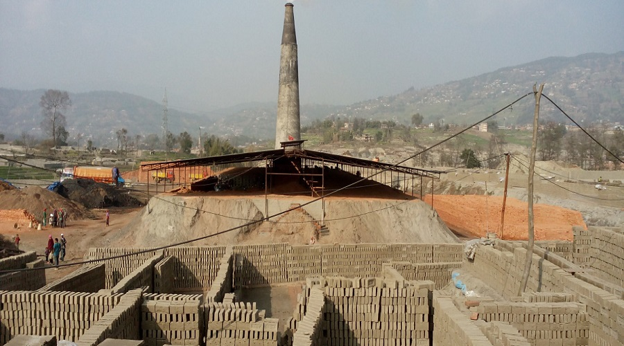 80 percent brick factories on verge of collapse due to shortage of labor